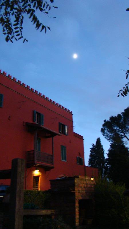La Villa al tramonto.jpg
